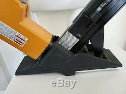Bostitch BTFP12569 2-in-1 Flooring Pneumatic/Air Tool/Nailer, Ergonomic Design