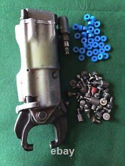 NICE Chicago PNEUMATIC TOOL CO. RIVET ALLIGATOR SQUEEZER WITH ASSORTED SETS